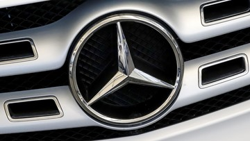 Mercedes recalls 750,000 cars because sunroof can fly off
