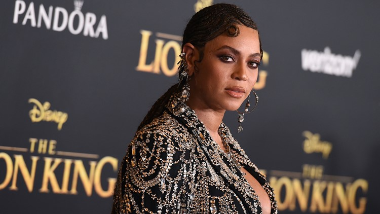 World Premiere of The Lion King Beyonce arrives