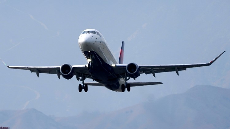 With taxpayers' help, Delta posts $652 million profit in 2Q