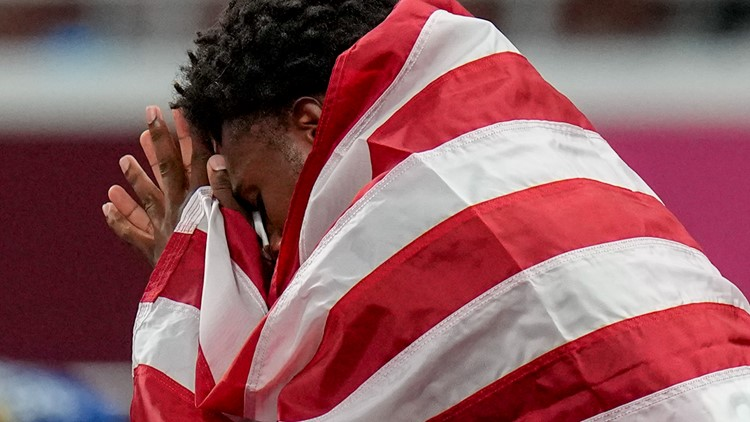 Noah Lyles was in tears shortly after 200-meter race. It had little to do with how ran.