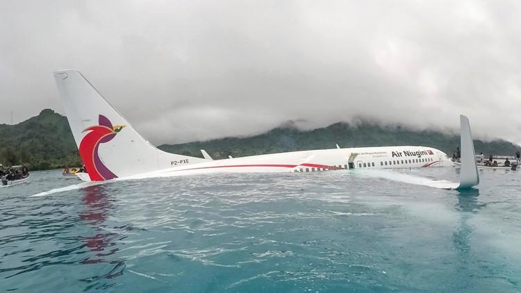 APTOPIX Micronesia Plane Crash