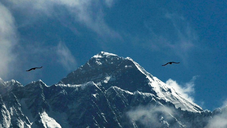 Norwegian climber 1st to test positive for COVID-19 on Mount Everest