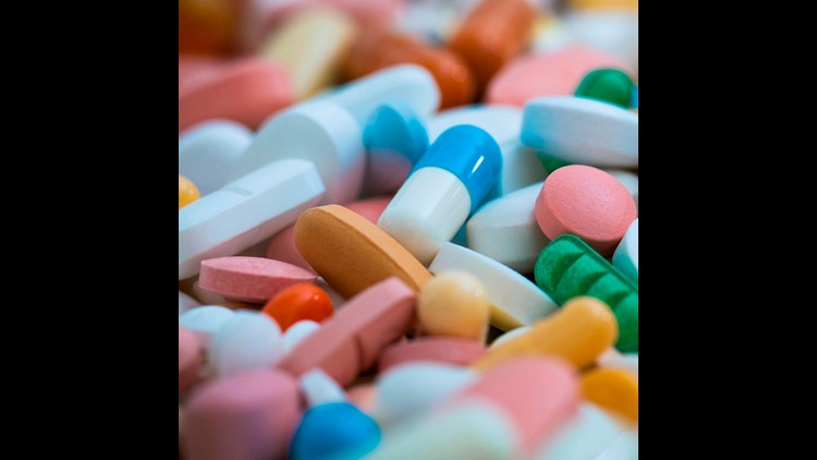 GAO found that 16 of the 28 hospitals it surveyed that are covered under the 340B programdid not provide any discount to patients at pharmacies that are contracted to distribute drugs on their behalf.