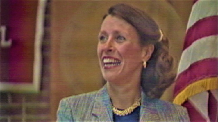 South Portland students spring a pop quiz on Marilyn Quayle during 1992 visit