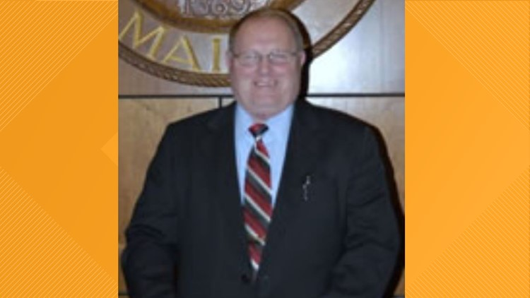 Racist remarks by Auburn city councilor prompt calls to resign