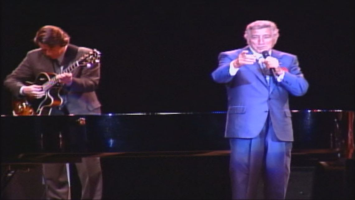 When Tony Bennett sings, Portland swings