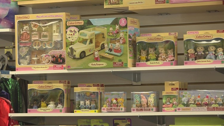 Experts say to start holiday shopping now because of toy shortage