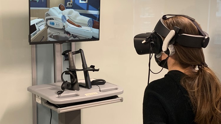 'This will translate to the real world': Nursing students learn skills through virtual reality