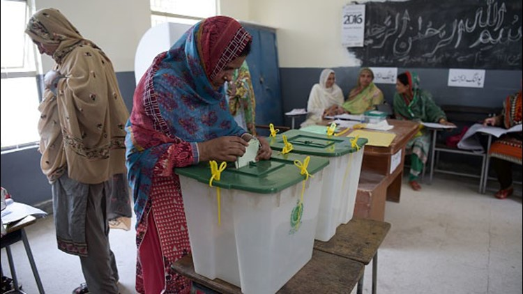 Pakistan election: Imran Khan projected to win