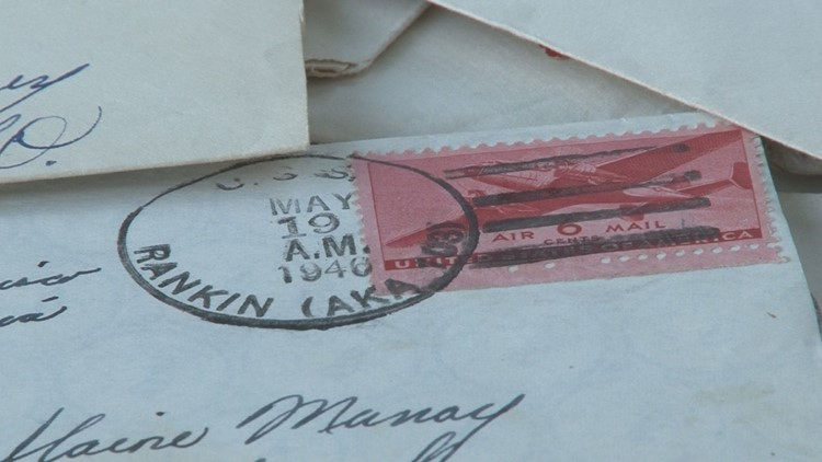 'They're priceless' | Nearly a dozen World War II love letters found in a Tennessee knife store