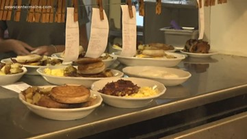 Becky's Diner honors veterans with free meal