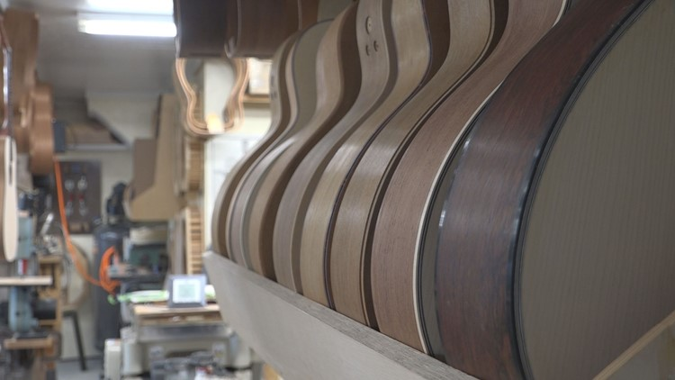 Keep ME Open: WR Custom Guitars continues to strum along