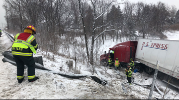 Part of I-295 closed Thursday night to remove tractor-trailer