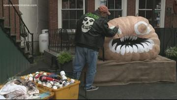 Giant pumpkins set to hit the water in Damariscotta