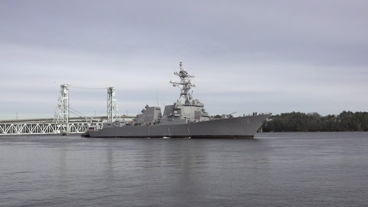 Navy secretary says DOD plans new multi-year contract for Arleigh Burke destroyers