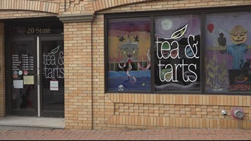 A local tea shop helps their community by paying it forward