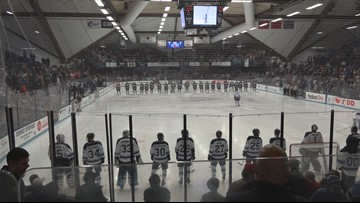 Maine hockey fans brave the cold for their team