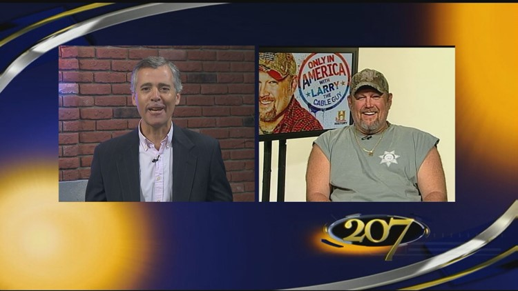Larry the Cable Guy travels the country and still can't find a shirt with sleeves