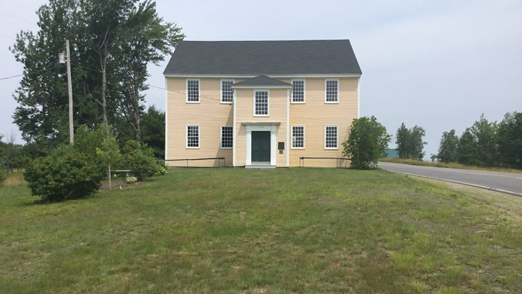 The old meeting house in the town of Alna built in 1789