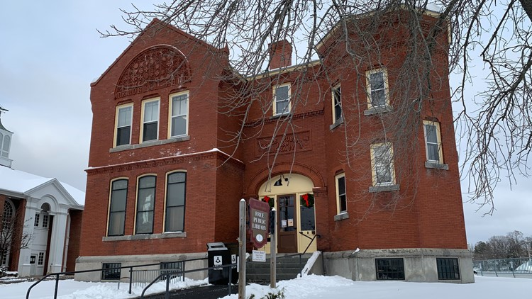 New Skowhegan thrift shop supports historic local library