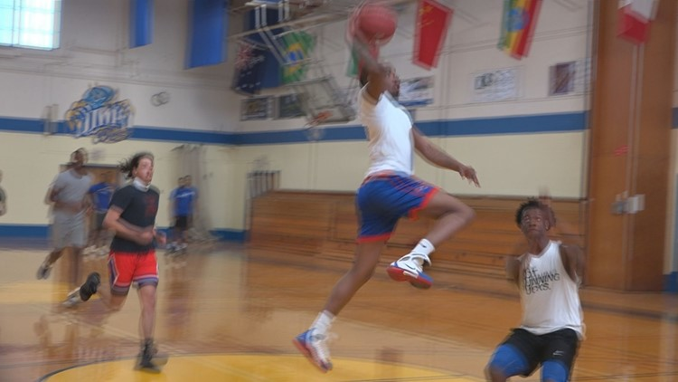 Shy Dix playing basketball
