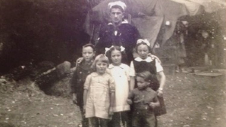 Maurice Dore with Genevieve, her siblings, and a cousin. (1944)