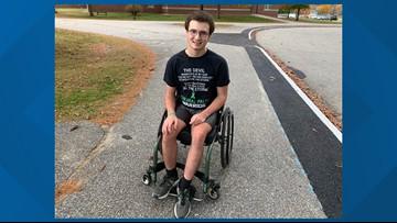High school wheelchair athlete breaks barriers