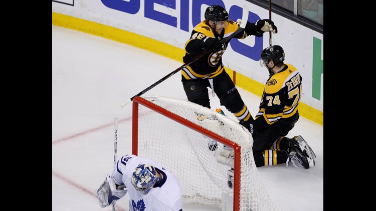Bruins Score 4 In 3rd To Beat Maple Leafs 7 4 In Game 7 Newscentermaine Com