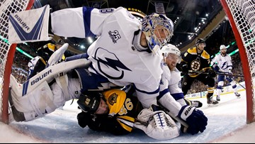 Lightning come out swinging, knock out Bruins in first 3 minutes