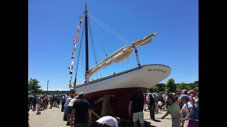 Ongekend Volunteer passions help relaunch 118-year-old lobster boat BD-35