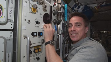 Maine astronaut to greet 2 other American astronauts at International Space Station