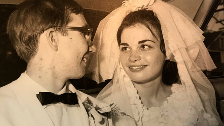 Bill Nave and Joyce Hanna get married