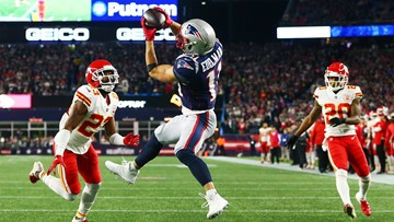 Patriots hold off Mahomes, Chiefs, win 43 - 40