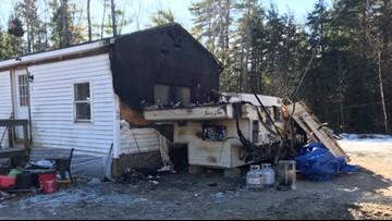 Fire in camper kills one man in Oakland