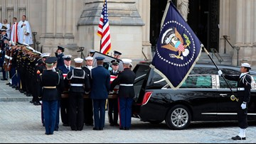 Mainer holds presidential flag at George H.W. Bush's funeral