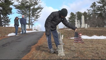 11-year-old boy's mission to honor veterans this holiday season