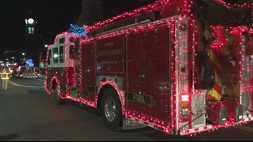 Thousands attend Saco Parade of Lights