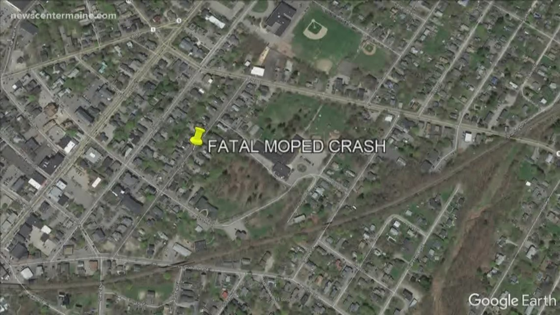 Man dies in moped accident