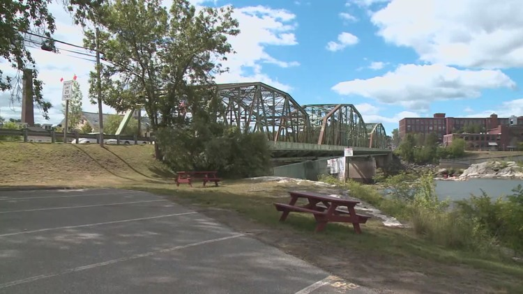 Bridge supporters gain business help in continued legal battle