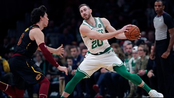 Hayward's healthy hand and Walker's hot hand combine to leave the Cavs empty-handed
