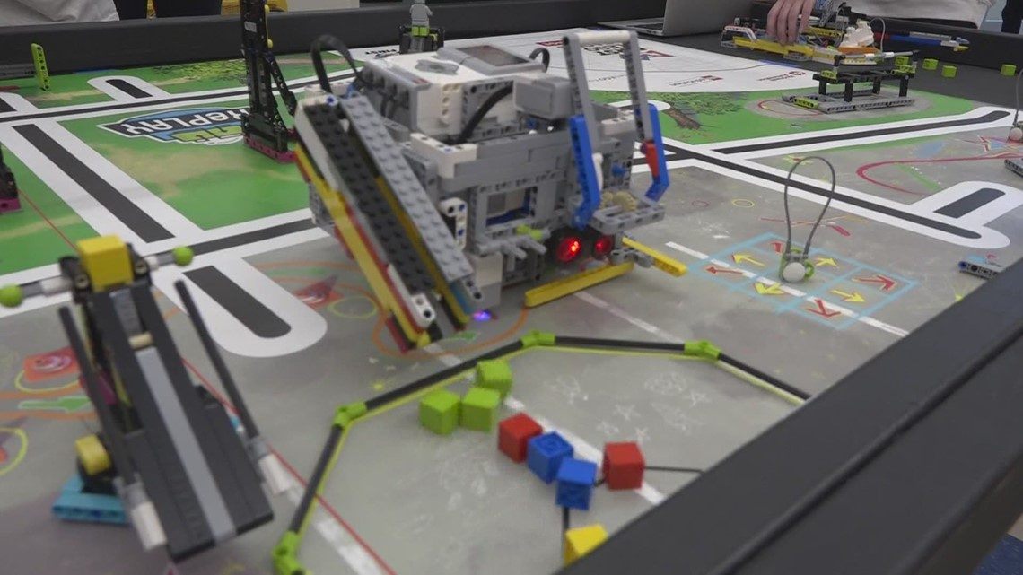 Veazie Community School receives highest robot score in state contest