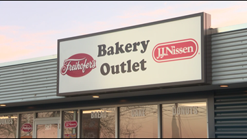 Bimbo Bakery robbed at gunpoint in Gorham