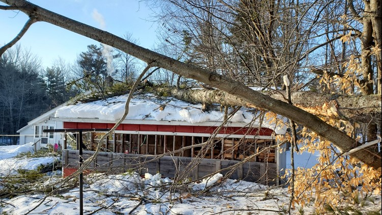 Strong winds brought whiteout conditions, power outages to Maine on Tuesday