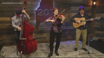 Mari Black and her trio visit the 207 studio