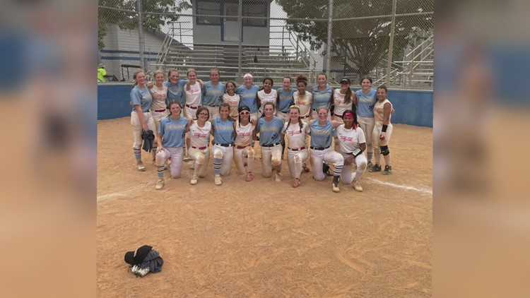 The Maine Thunder 12-and-under softball team wins national championship title