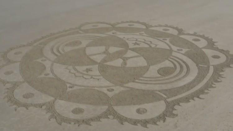 Sand art in Ogunquit by Sebastian Privitera