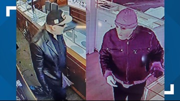 Armed suspects flee jewelry store robbery in Dover, N.H.