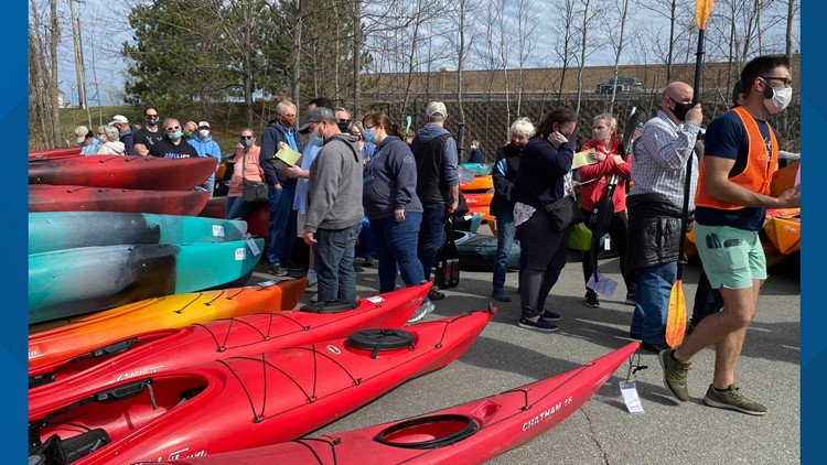 Outdoor enthusiasts turn out to pack Bangor canoe and kayak sale