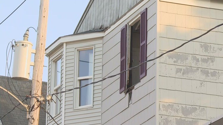 Fire in Portland apartment building leaves 10 without homes