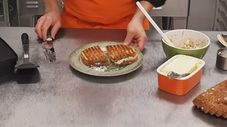 A panini that goes together easily